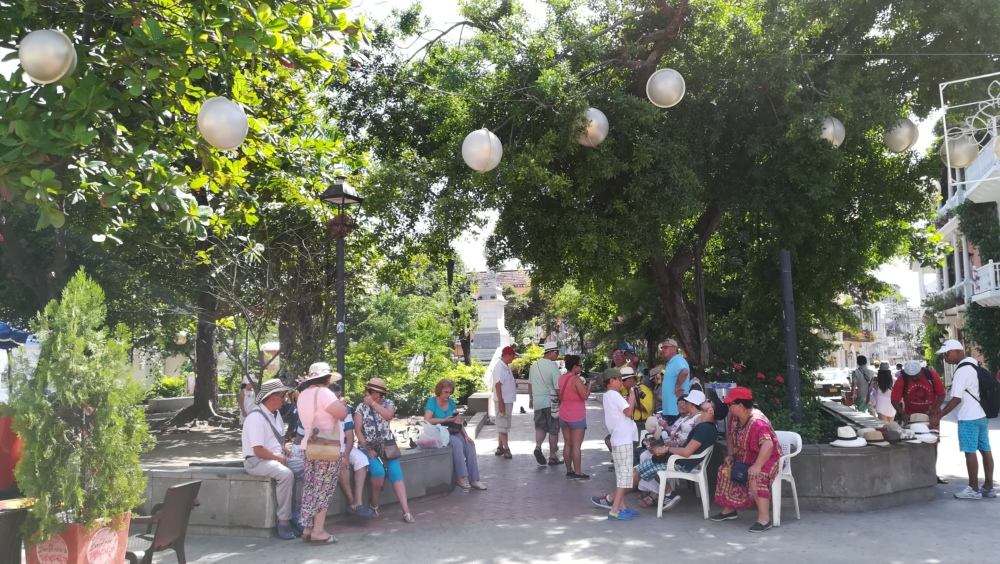 Personnes dans les rues de Carthagène