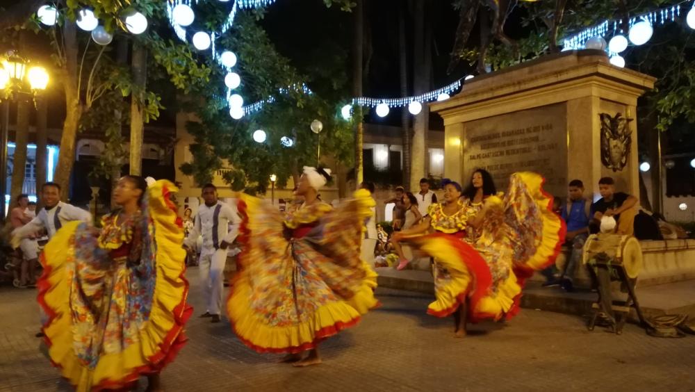 Danse dans le centre ville de Carthagène